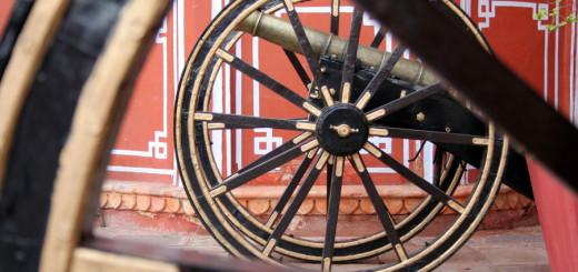 Kanonen im Stadtpalast von Jaipur