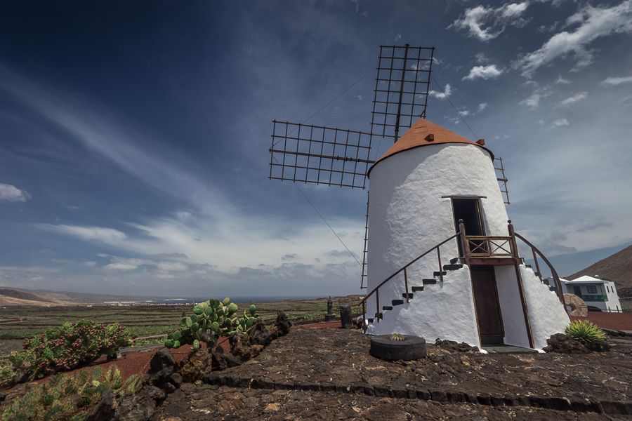Weiße Windmühle